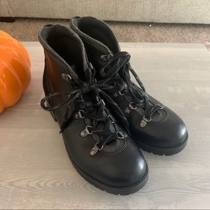 Clarks Black Leather Lace up Boots 10